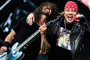 Mirá a Foo Fighters tocando con los Guns N' Roses