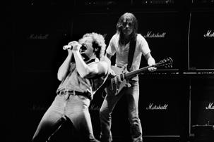 "Brian Johnson recuerda a Malcolm Young: ""Le dio un golpe al rock and roll"""